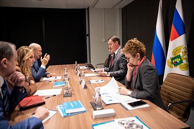 Дмитрий Патрушев и председатель правления банка «Открытие» Михаил Задорнов обсудили развитие льготного кредитования АПК